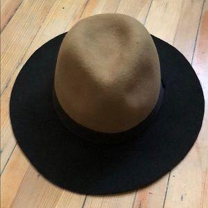 Black/Tan felt hat